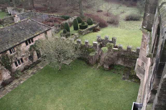 Morthamtowercourtyard_from_tower.jpg