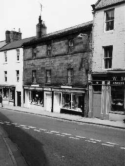 Nos 20 and 22 Narrowgate, Alnwick. Photo Northumberland County Council, 1971.