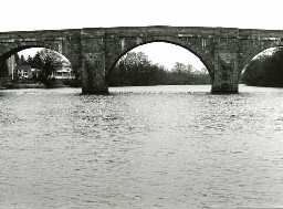 Chollerford Bridge. Photo by Peter Ryder, 1993.