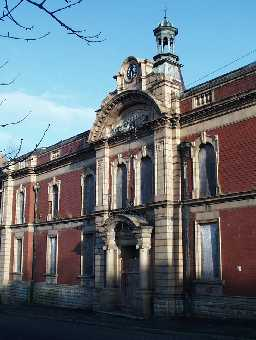 Miners' Memorial Hall- centre detail 2003