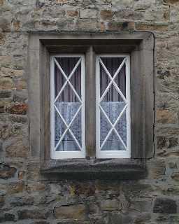58 Galgate mullioned gable window detail  © DCC 2001