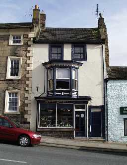 36, The Bank, Barnard Castle  © DCC 2002