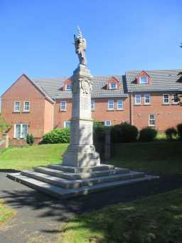 Photograph of War Memorial Statue, Edward Street, Craghead 2016
