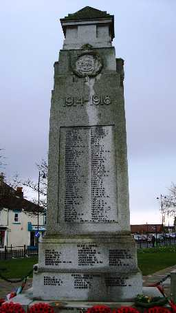 War Memorial, Church Street, Crook © DCC 24/11/09