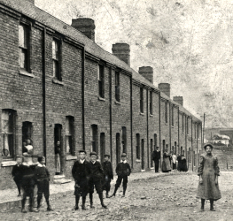 Sea View (later Second Street), Horden, c.1900 (People Past and Present  hord0290)